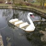 Vandalisiertes Schwanenboot